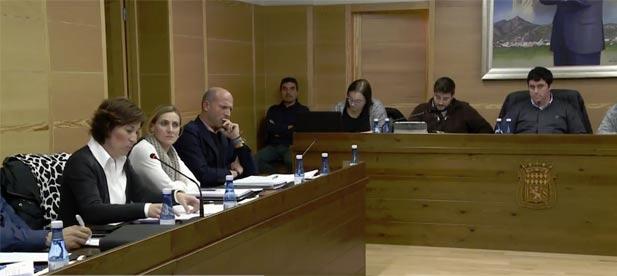 El GMP ha rogado a los cinco partidos que no arrincone a los agricultores y a los regantes de la localidad.