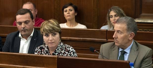 """Elena Vicente-Ruiz, diputada del PP, lamenta el """"sectarismo"""" del PSPV, que fija criterios """"según color político"""" y """"recorta inversiones para convertirse en sucursal de Ximo Puig"""""""
