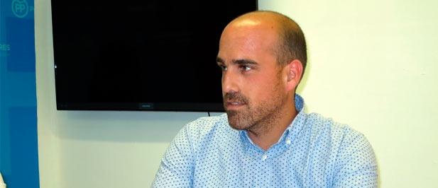 """Guillamón: """"Exigimos una solución para que vuelva a prestar servicio a los vecinos del Grao"""""""