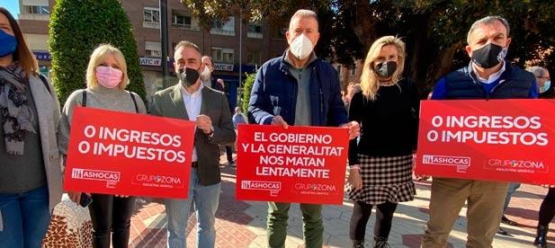 El PP se reunió ayer con ASHOCAS en el Congreso y en el Senado y hoy ha mostrado su apoyo a la hostelería en una nueva protesta de la asociación.
