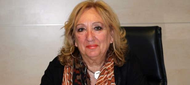La imputada Josefa Tena otorga competencias a los dos tránsfugas del PP que se venden a cambio de una delegación, traicionando a los votantes de Torreblanca