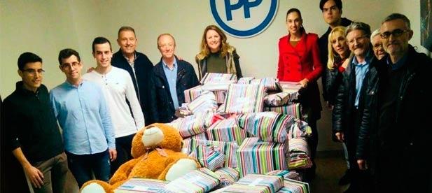 """Decenas de castellonenses y empresas como Carrefour han aportado juguetes, bicicletas y peluches que """"permitirán disfrutar de la llegada de los Reyes Magos a más de 300 familias"""""""