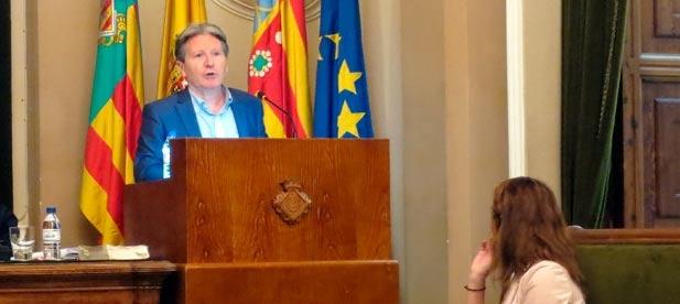 Macián, se ha referido a la comisión de fiestas como un SINsentido CONsentido y auspiciado por la alcaldesa, Amparo Marco.