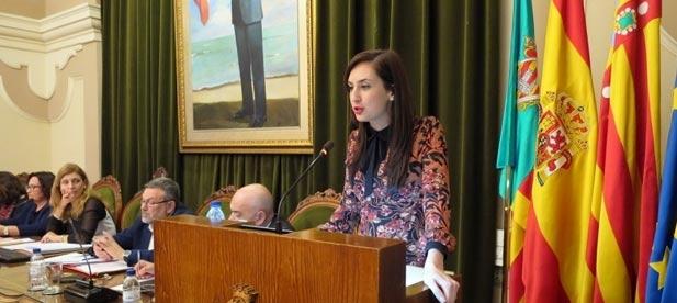 """María España: """"Según el compromiso del gobierno municipal, este servicio debía haber estado activo el curso pasado"""""""