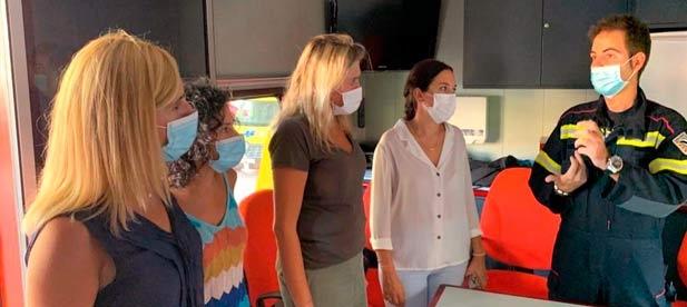 Marta Barrachina se ha desplazado hoy hasta Azuébar donde se ha reunido con la alcaldesa de la localidad, Jessica Miravete, para conocer los efectos de un incendio