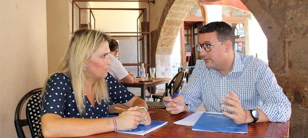 Marta Barrachina se ha trasladado hasta Vila-real para reunirse con el próximo presidente del Partido Popular de Vila-real, que este sábado celebra su Congreso Local