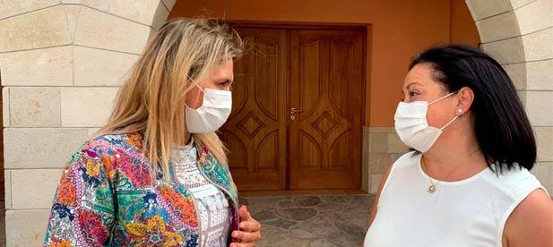 """Rosa Guillermo Tortajada, alcaldesa de Matet, traslada a la presidenta del PPCS las limitaciones de un municipio """"que tiene mucha vida pero pocos recursos económicos"""""""