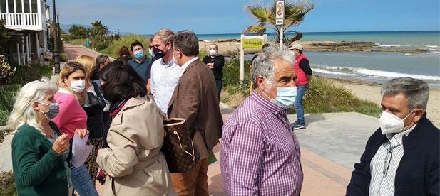 """Óscar Clavell, diputado del PP, exige """"la defensa del patrimonio histórico de un poblado de pescadores y la inversión para proteger la costa frente a la destrucción socialista"""""""