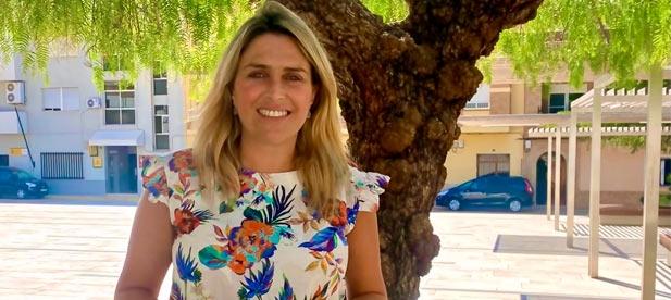 """Denuncia que """"los gobiernos del PSOE se han ido de vacaciones y dejando a los castellonenses en riesgo extremo"""", por lo que reclama la inmediata contratación de personal y más vacunas."""