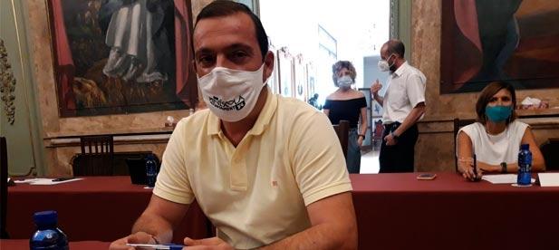 Andrés Martínez pregunta en Diputación qué medidas se van a adoptar para frenar los ataques a un territorio al que recortan trenes, niegan infraestructuras y turismo