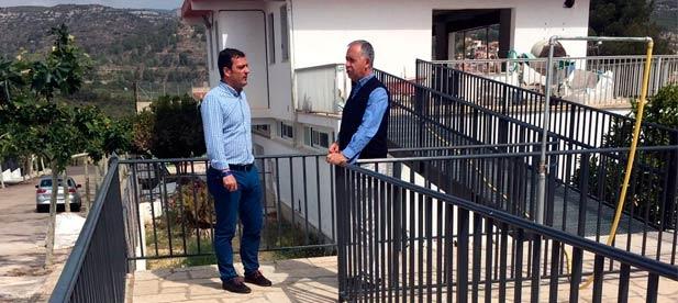El alcalde, Rosendo Segarra, y el vicepresidente provincial, Andrés Martínez, han visitado las obras