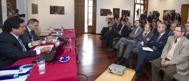 Moliner ha explicado en su ponencia algunos ejemplos de buenas prácticas de gobierno que se están llevando a cabo en los municipios de Castellón, desde los más pequeños hasta la capital de La Plana.