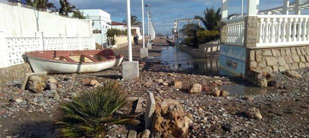 Esta falta del mantenimiento y conservación de infraestructuras en el litoral es algo que se arrastra desde hace una década y el efecto de las tormentas.