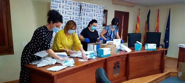 El consistorio va a iniciar el reparto de una mascarilla quirúrgica y una KN95 por habitante.