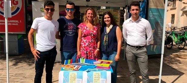Hoy se ha iniciado la campaña de recogida de material escolar promovida por la organización desde NNGG de la Comunitat Valenciana para ayudar a las familias castellonenses que más lo necesitan y contrarrestar la falta de ayudas del Consell.