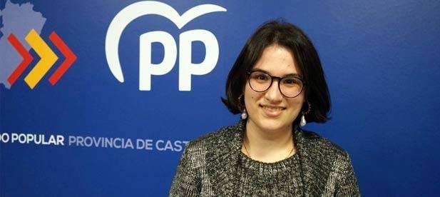 """La portavoz en el Ayuntamiento de Cabanes, Ana Obiol, asegura que la alcaldesa socialista, Virginia Martí, """"no defiende los derechos de los vecinos""""."""