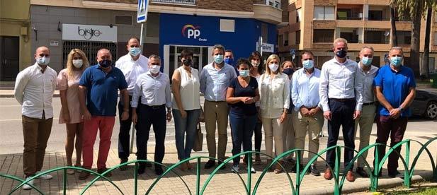 El vicesecretario Jaime de Olano muestra el apoyo de los alcaldes de Castellón y ensalza su responsabilidad por hacer test o tener enfermería escolar