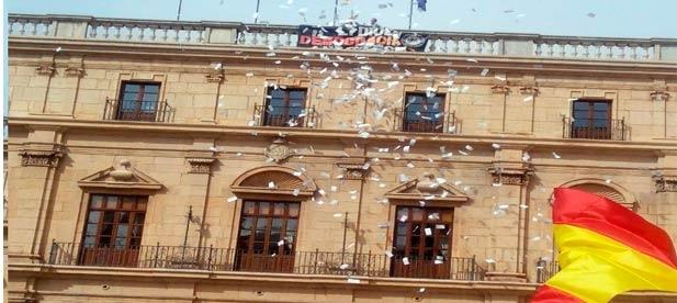 """Carrasco: """"La custodia de los edificios municipales es exclusiva de la Policía Local, sin embargo tuvo que acceder la Policía Nacional para apaciguar la provocación"""""""