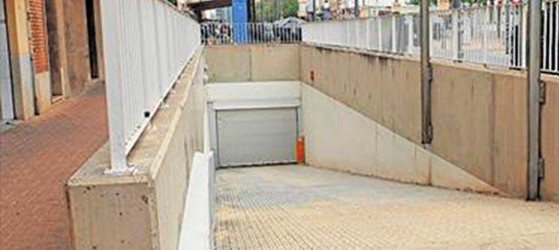 En dos años de gobierno, el 'pacto del gasto' ha sido incapaz de cumplir su promesa de abrir al público el parking subterráneo.