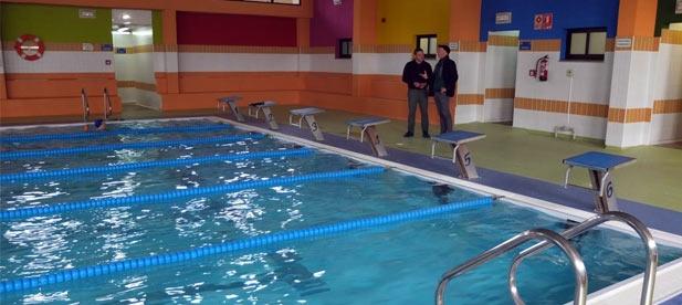Los vecinos de Nules han mostrado su malestar por el déficit que tiene la piscina municipal del municipio ante la parálisis a la que el 'pacto del gasto'
