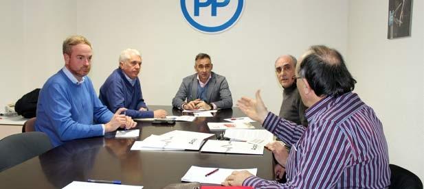 Barrachina acompañado por el diputado nacional Clavell, y el senador Altava,  han mantenido una reunión con los representantes de los sindicatos de prisiones ACAIP, UGT y CCOO.