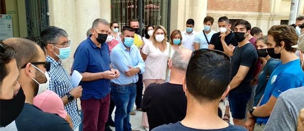 """David Vicente: """"No se puede jugar con el trabajo de decenas de profesionales tras los que hay familias a las que el PSOE castiga con acuerdos laborales que luego incumple"""""""