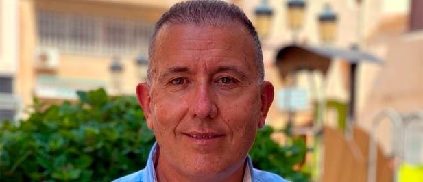 """El concejal popular exige a los gobiernos del PSOE """"menos vacaciones y más gestión"""""""