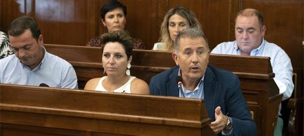 """Sales: """"El PP lideramos la defensa de los menores y la negativa a los despidos ante la abdicación del presidente de la Diputación"""""""