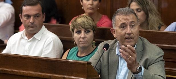 """Sales (PP): """"Es una vergüenza que José Martí no cesara hace un mes al diputado Manel Martínez y no haya tenido complejos en pagarle más de 2.600 euros sin trabajar"""""""