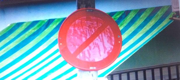 El gobierno socialista de Almenara ha tardado casi dos años en atender la demanda del Grupo Municipal Popular de señalizar las calles de la zona de la playa de Casablanca