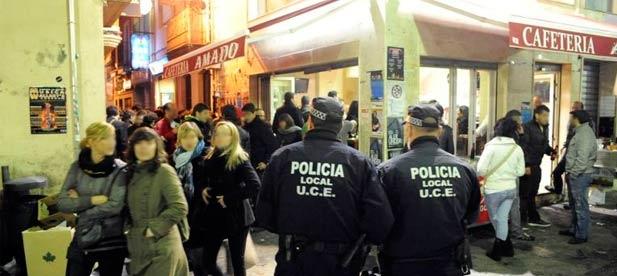 Carrasco insiste en que PSOE y Compromis recurran la sentencia del TSJCV que admitía un recurso que pretende eliminar el artículo 26 de la ordenanza municipal que reconoce la singularidad de la tascas, prohibiendo la venta de alcohol en calles
