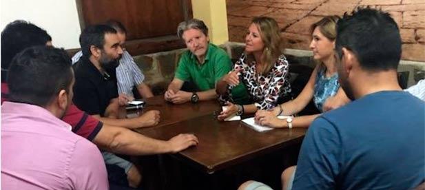 Carrasco critica las trabas que pone Amparo Marco al desarrollo de negocios de hostelería en toda la ciudad y afirma que es posible compaginar descanso y ocio.