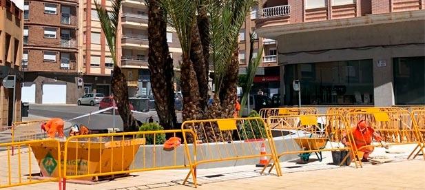 """Mateo denuncia la """"chapuza millonaria"""" del tripartito en las obras de la plaza del ayuntamiento"""