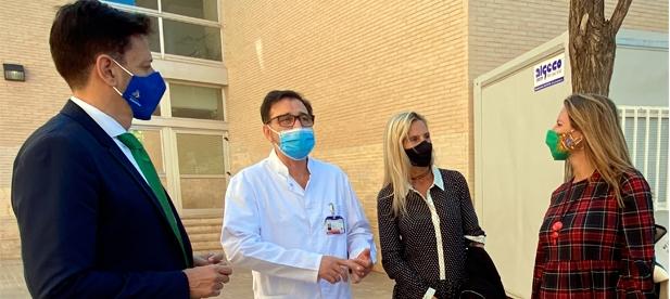 """Carrasco: """"Ante la sobrecarga de trabajo a la que están siendo sometidos los profesionales sanitarios, que llegan a ver a 70 pacientes en una jornada se hace necesario implementar medidas urgentes"""""""""""